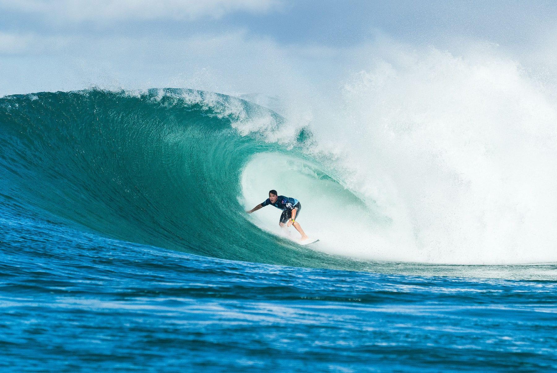 Julian Wilson surfing news