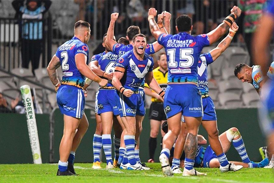 Bulldogs celebrate win over Sharks - R7, 2021
